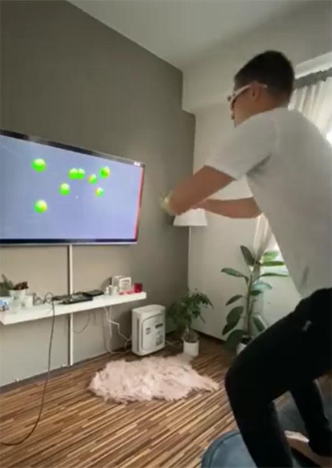 Filip Nguyễn tập luyện trong nhà