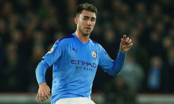 Laporte vẫn muốn ở lại Man City