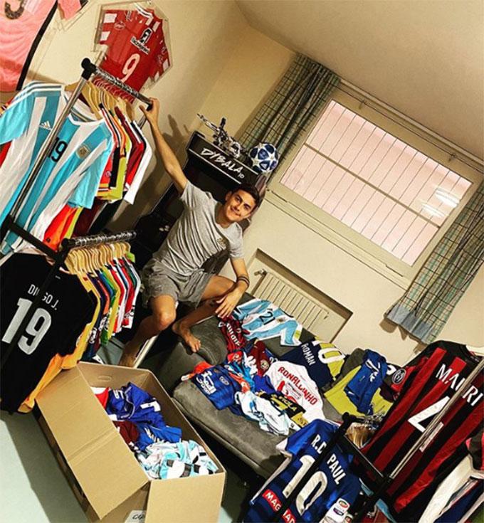 Bộ sưu tập áo đấu của Dybala cũng rất hoành tráng