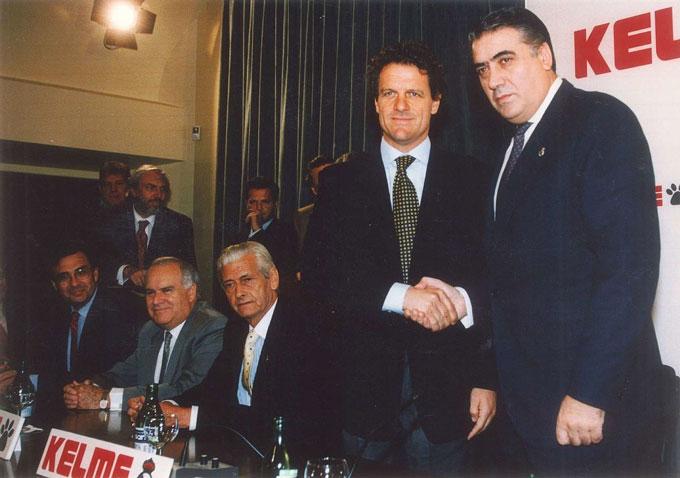 Trong 5 năm làm Chủ tịch Real, Lorenzo sử dụng tổng cộng 7 HLV