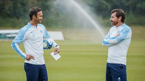 Carvalho (trái) và Villas-Boas đang phối hợp ăn ý để mang về thành công cho Marseille