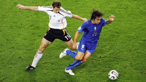 Italia đã vượt qua Đức ở bán kết trong trận cầu có nhiều cảm xúc