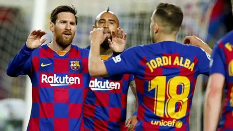 Barca đòi cắt 70% lương Messi và đồng đội