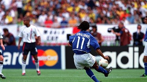 Ronaldinho đã ghi bàn thắng kinh điển vào lưới ĐT Anh như thế nào?