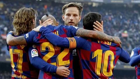 Phòng thay đồ Barca bất đồng sâu sắc vì việc giảm lương