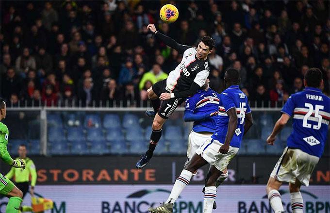 Ronaldo có thể nhảy cao đến mức khó tin