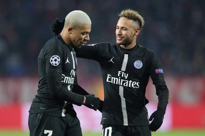 Neymar kết nối và tạo cơ hội cho đồng đội tốt hơn Martinez