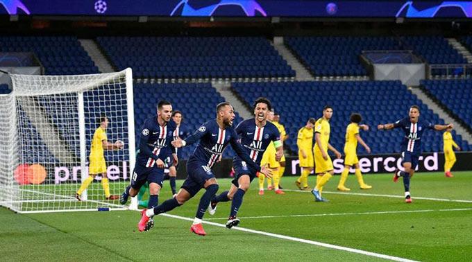 Neymar cũng luôn biết cách tỏa sáng trong các trận đấu lớn như 2 trận vòng 1/8 với Dortmund