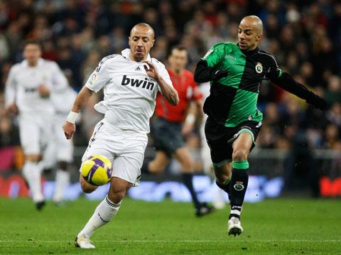 Faubert (trái) chỉ gắn bó với Real Madrid 6 tháng và không để lại ấn tượng gì tốt đẹp