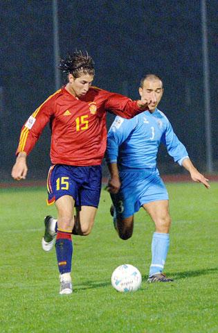 Sergio Ramos trong ngày ra mắt ĐT Tây Ban Nha