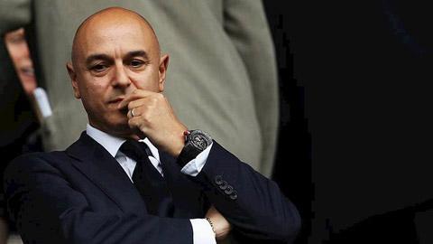 Tottenham giảm lương 550 nhân viên, cầu thủ đội 1 được đảm bảo