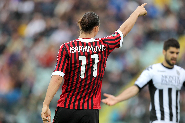 Ibra và nhiều trung phong của Milan đeo số 11 là vì hoàn cảnh
