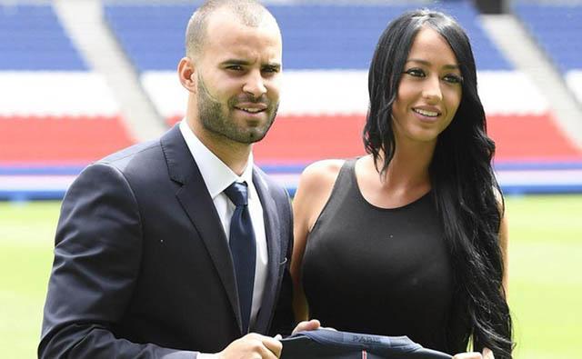 Jese khi hạnh phúc bên Aurah trong lễ ra mắt CLB PSG vào mùa Hè 2016
