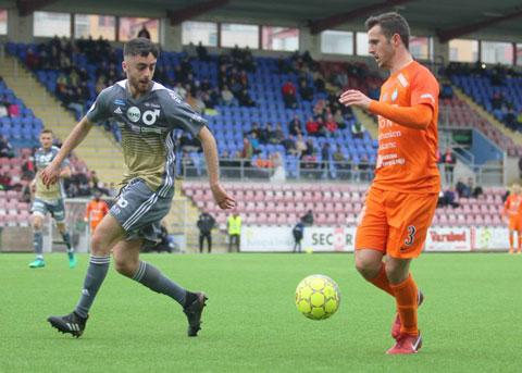 Trận đấu giữa đội hạng 7 Eskilstuna (phải) và đội hạng 8 Nashulta GoIF tại Thụy Điển vừa bị phải hoãn vì bị dàn xếp