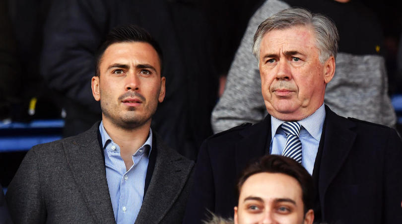 Davide tiếp tục quá trình học nghề từ cha ở Everton