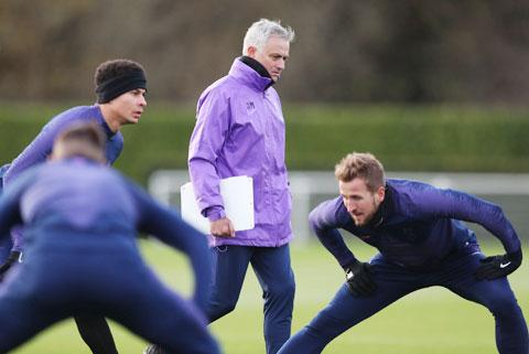Mourinho thường tự học ngôn ngữ mới
