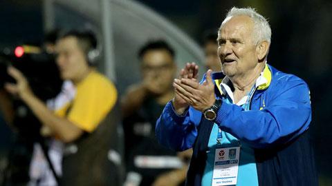 HLV Petrovic từng dẫn dắt Thanh Hóa giành ngôi Á quân V.League 2017