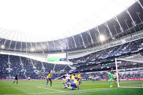 Sân bóng của Tottenham thuộc vào loại lớn và hiện đại nhất hành tinh