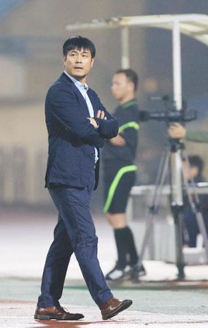 Chủ tịch Nguyễn Hữu Thắng của CLB TP.HCM cho rằng ngoại binh tốt cho sự phát triển của nền bóng đá