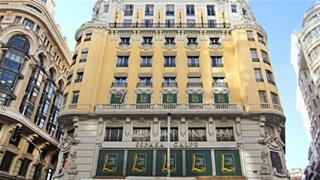 CR7 hoãn khai trương khách sạn  vì Covid-19