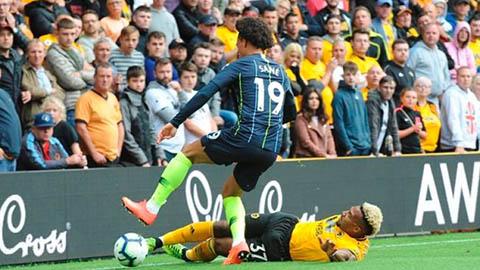 Liverpool nên chiêu mộ Sane thay vì 'quái thú' Traore