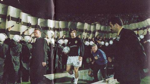 20 năm sau ngày đen tối nhất lịch sử Leeds United: Thảm kịch ở Istanbul và 2 CĐV Leed vĩnh viễn nằm lại
