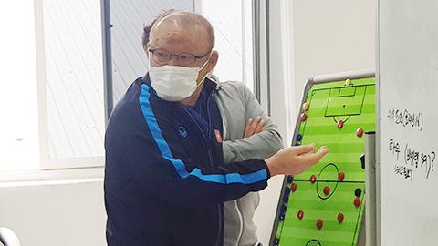 """Ông Park tính """"khai tử"""" tiền đạo cánh ở đội tuyển Việt Nam"""