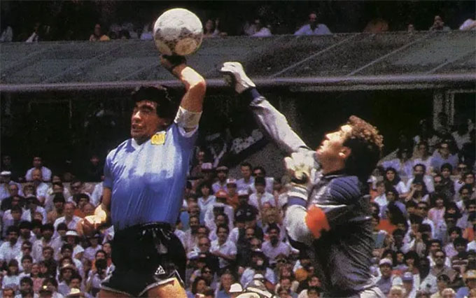 """Pha làm bàn kinh điển được mệnh danh là """"Bàn tay của Chúa"""" của Maradona"""
