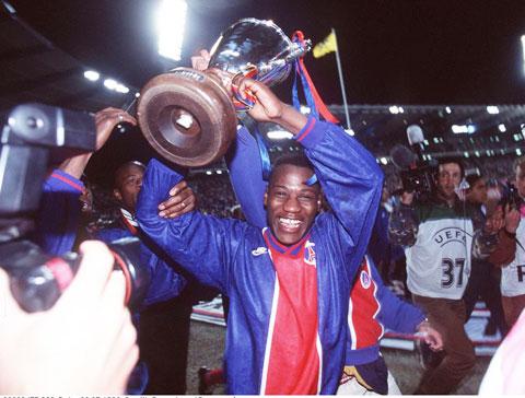N'Gotty, tác giả bàn thắng duy nhất giúp PSG đánh bại Rapid Vienna trong trận chung kết Cúp C2 mùa 1995/96