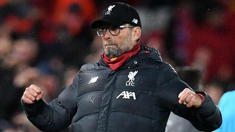 Người hâm mộ không được vào sân ăn mừng Liverpool nâng cúp vô địch?