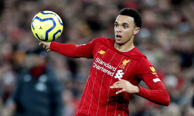 Trent Alexander-Arnold (Liverpool): Giá hiện tại 99 triệu euro, giảm 11 triệu euro (10%)