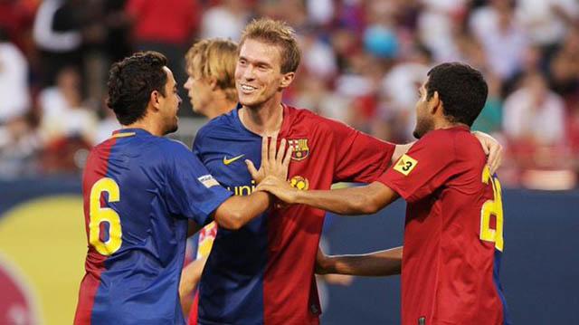 Hleb lẽ ra không nên rời Arsenal để tới Barca