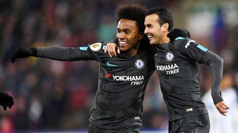 Hợp đồng của Willian (trái) và Pedro với Chelsea sẽ hết hạn trong mùa Hè này