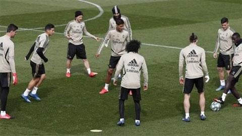 Đã có đội bóng La Liga đầu tiên trở lại tập luyện, Real cũng rục rịch tái xuất