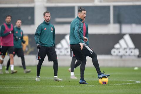 Các CLB ở Serie A có thể tập luyện trở lại từ ngày 4/5 tới