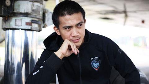 Bị truy sát, người hùng bóng đá Thái Lan lẩn trốn ở vùng quê