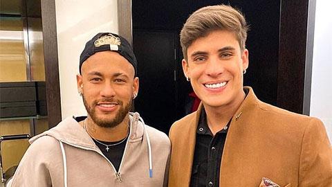 Phi công 'cưa' đổ mẹ Neymar lấy lòng ngôi sao của PSG như thế nào?