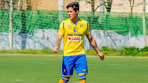 Tiago Ramos, bồ trẻ của mẹ Neymar đẹp trai nhưng đá bóng tầm thường