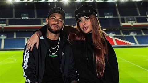 """Cả nhà Neymar ai cũng """"dị"""""""