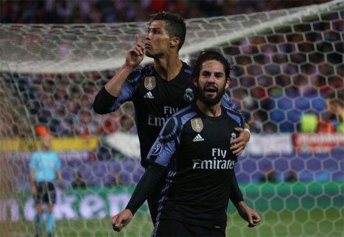Isco và Ronaldo trong màu áo Real