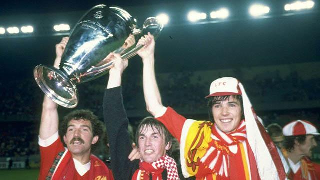 Souness (trái) từng giành nhiều thành công trong màu áo Liverpool