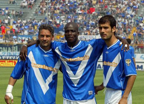 HLV Guardiola từng khoác áo Brescia (bìa phải, ảnh nhỏ) và AS Roma tại Serie A
