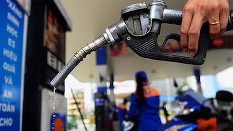 Giá xăng giảm hơn 300 đồng/lít, xuống thấp nhất 13 năm qua