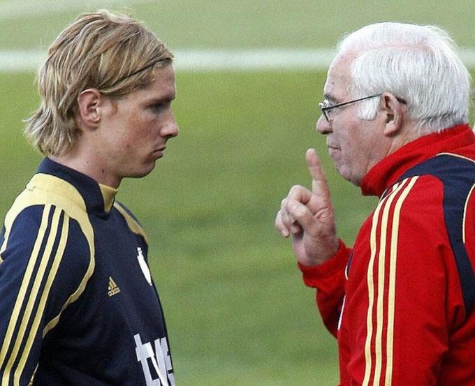 Torres từng bị Aragones nắn gân vì tỏ thái độ