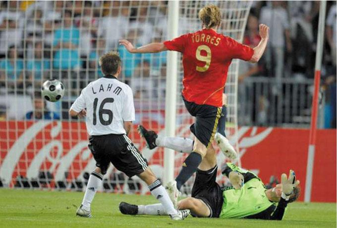 Bàn thắng lịch sử của Torres