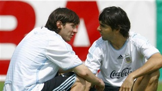 'Maradona là tinh túy nghệ thuật, Messi là chú chuột siêu tốc'