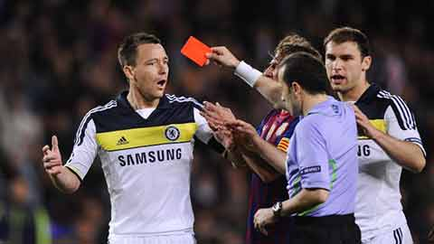 Khoảnh khắc ngu ngốc nhất của Terry là trước Barca