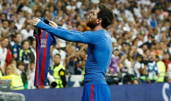 Nếu sinh cùng thời đại của những sát thủ sân cỏ, liệu Messi có thể đứng hiên ngang thế này chăng?