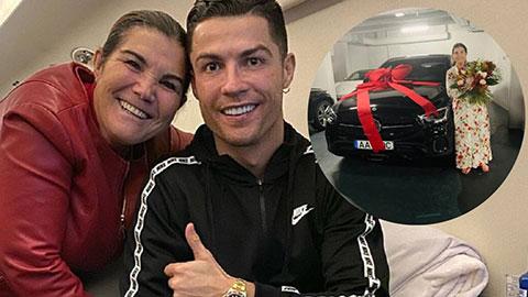 Ronaldo tặng siêu xe cho thân mẫu nhân Ngày của Mẹ