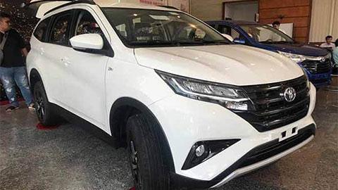 Toyota Rush giảm giá mạnh, quyết đấu Mitsubishi Xpander, Suzuki XL7